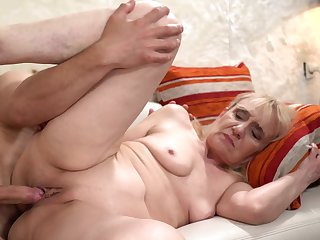 Granny Gets Young Cock In the air Her Wrinkled Age-old Pussy