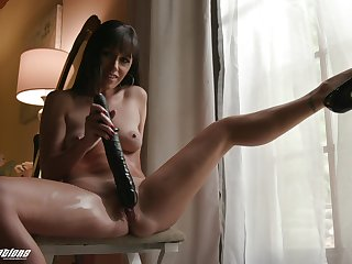 Bitch handles her new toy like she's a porn goddess