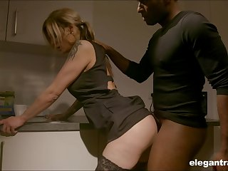 Pale nympho with nice pest Klarissa is correctly analfucked by black girder