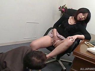 Closeup video of naughty boss lady Nijikawa Sora giving a BJ
