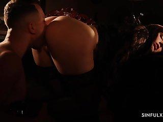 Hypnotizing chap-fallen video starring gorgeous Italian adult precede b approach Valentina Nappi